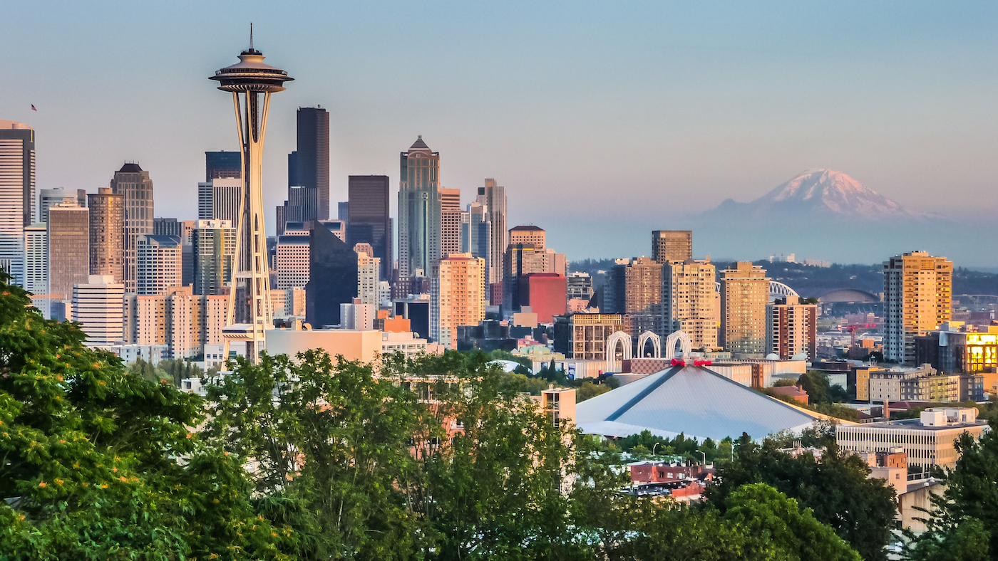 Seattle skyline panorama at sunset from Kerry Park, Seattle, USA