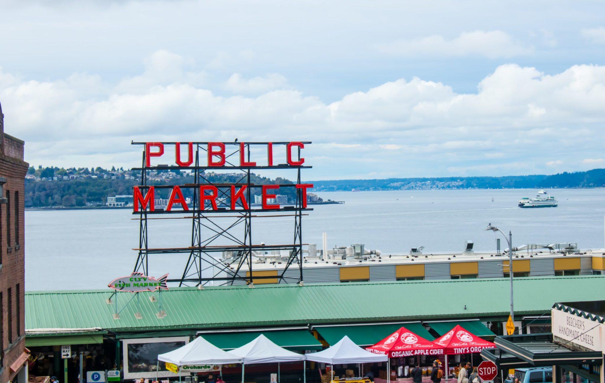 Pike Place Market Photo by Zoi Palla on Unsplash