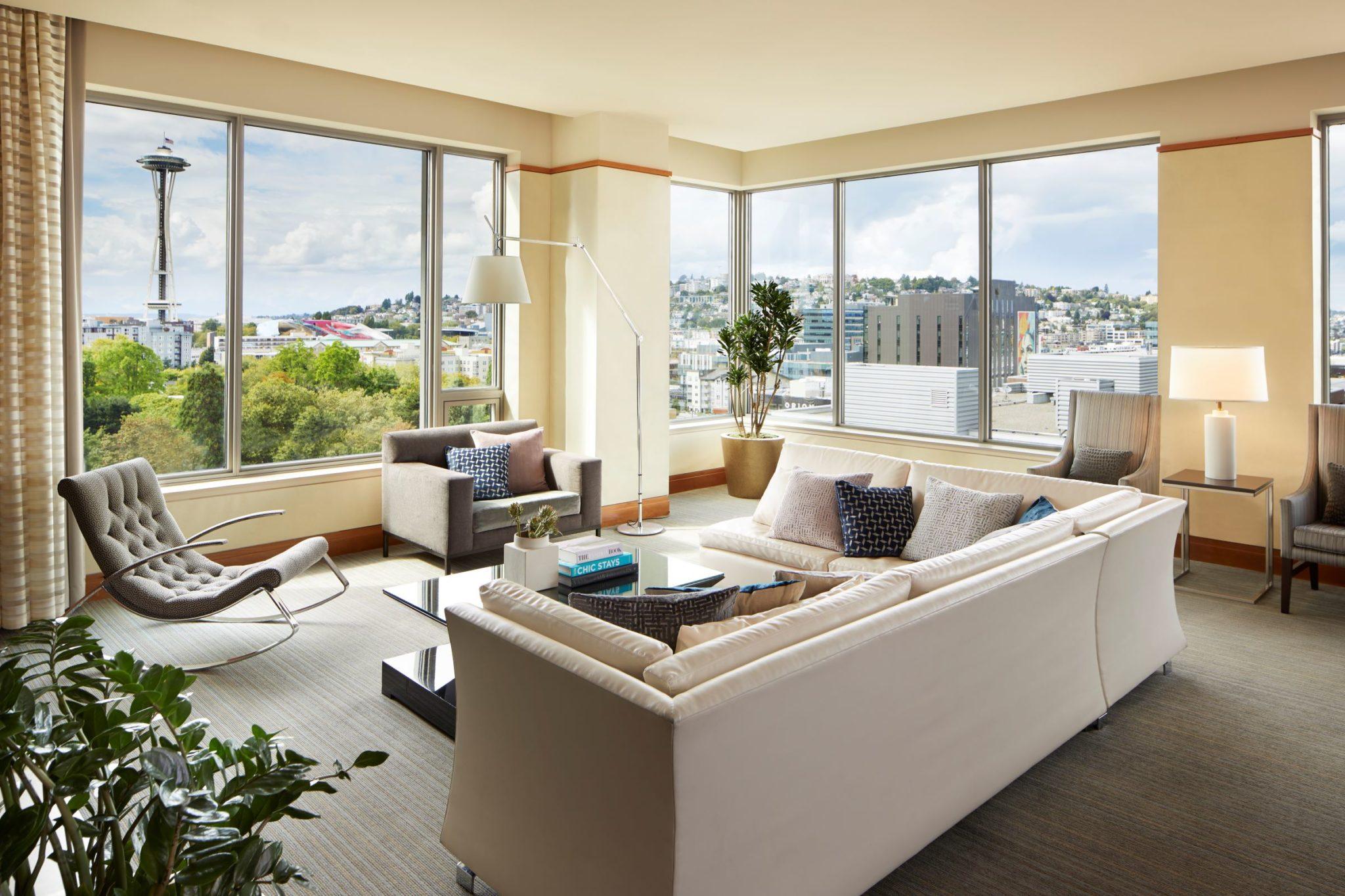 pps dennysuite livingroom resized 1